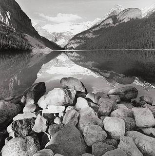 LEE FRIEDLANDER - Lake Louise, Canada, 2000