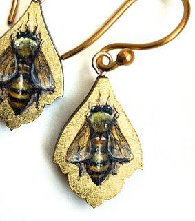 Bee Leaflet Earrings