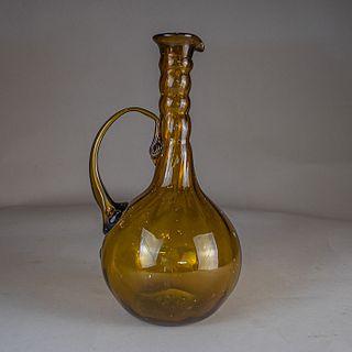 Jarra en vidrio soplado color ámbar / Amber blown glass pitcher
