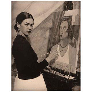 "ACME PHOTOS, Retrato de Miss. Jean Wight, realizado por Frida Kahlo, Unsigned, Vintage print, 8 x 6.4"" (20.5 x 16.5 cm)"