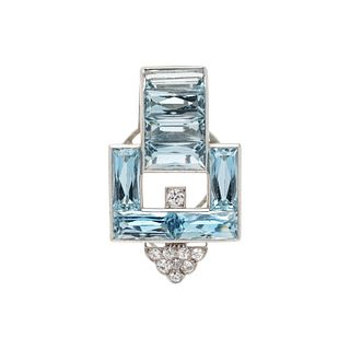 CARTIER, ART DECO, AQUAMARINE AND DIAMOND CLIP BROOCH