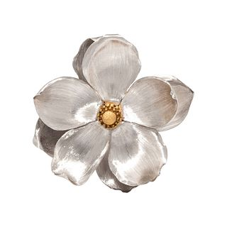 BUCCELLATI, BICOLOR GOLD FLOWER BROOCH