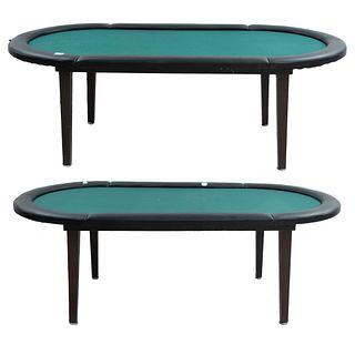 Par de mesas de juego. SXXI En madera y aglomerado. Cubiertas con recubrimiento de fieltro verde y ribete de vinipiel.