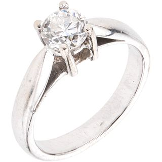 SOLITAIRE RING WITH DIAMOND IN 14K WHITE GOLD 1 Brilliant cut diamond ~0.60 ct Clarity: SI1-SI2. Weight: 4.2 g. Size: 6 ½