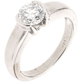 SOLITAIRE RING WITH DIAMOND IN 14K WHITE GOLD 1 Brilliant cut diamond ~0.70 ct Clarity: VS2-SI1. Weight: 4.9 g. Size: 5 ½