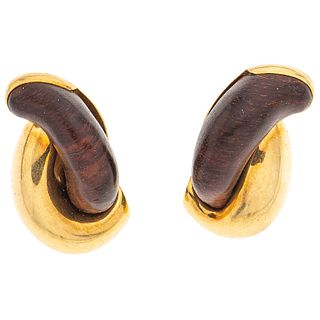 PAIR OF EARRINGS WITH WOOD IN 18K YELLOW GOLD, SEAMAN SCHEPPS, BOSQUE COLLECTION  Weight: 23.6 g