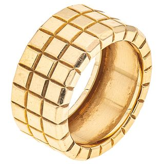RING IN 18K YELLOW GOLD, CHOPARD, ICE CUBE COLLECTION Weight: 19.0 g. Size: 9 ½