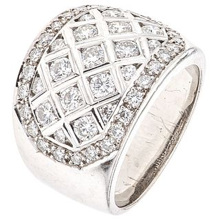 RING WITH DIAMONDS IN 18K WHITE GOLD 47 Brilliant cut diamonds ~1.74 ct. Weight: 13.1 g. Size: 6 ¼