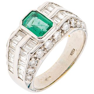 RING WITH EMERALD AND DIAMONDS IN 18K WHITE GOLD 1 Octagonal cut emerald ~0.70 ct, 52 Diamonds (different cuts)~1.70ct