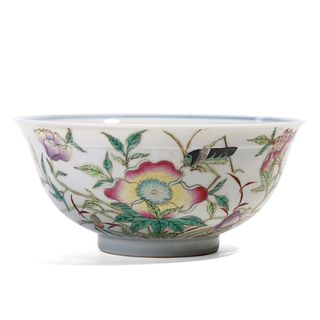 A CHINESE FAMILLE ROSE BIRDS AND FLOWERS BOWL