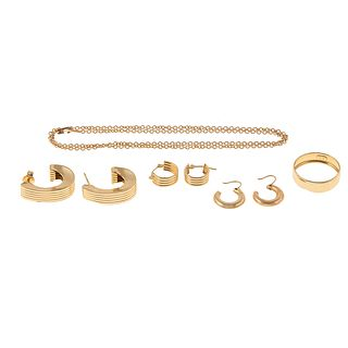 A Collection of 14K Yellow Gold Jewelry