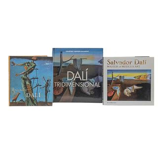LIBROS SOBRE SALVADOR DALÍ. a) Watson McCarthy, Courtney. Dalí Tridimensional. b) Salvador Dalí. Master of Modern Art. Pzas:3.