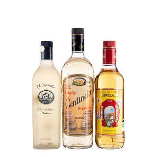 Tequila y Licor de Agave. a) El capricho. b) Centinela. c) Herradura. Total de piezas: 3.