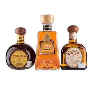 Tequila. a) Don Julio. Añejo y reposado. b) 1800. Añejo. Total de piezas: 3.