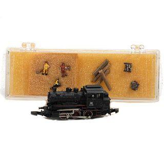Marklin Z Gauge 0-6-0 T Locomotive. Z scale figures.