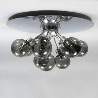 Lámpara de techo. Siglo XX. Diseño Moderno. Estructura metálica con pantallas de vidrio. Para 10 luces.