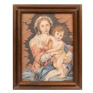 Vírgen con niño.  Siglo XX. Gobelino. Enmarcado. 45 x 34 cm Detalles de conservación.