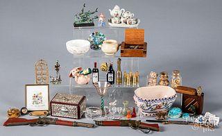 Miniature accessories, dollhouse furnishings, etc.