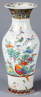 Chinese porcelain vase, 19th c.