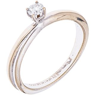 SOLITAIRE RING WITH DIAMOND IN 14K WHITE GOLD 1 Brilliant cut diamond ~0.15 ct. Weight: 3.3 g. Size: 7