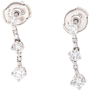 PAIR OF EARRINGS WITH DIAMONDS IN PLATINUM 10 Brilliant cut diamonds ~0.62 ct. Weight: 3.8 g