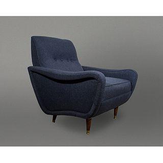 Sillón estilo Italiano en madera con tapicería azul / Blue Italian style armchair