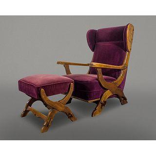 Sillón Bergère con otomana estilo Mission en encino con terciopelo morado / Purple armchair with ottoman