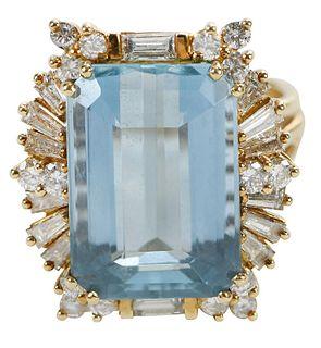 18kt. Aquamarine and Diamond Ring