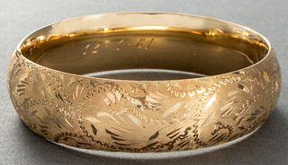 14K Yellow Gold Diamond Cut Bangle Bracelet