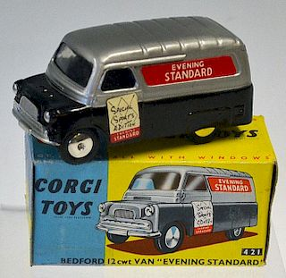 "Corgi No.421 Bedford ""Evening Standard"" Van - silver, black, flat spun hubs - Excellent in a general"