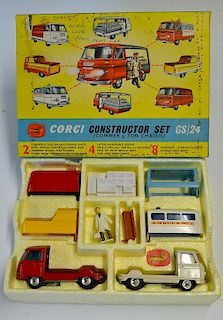 Corgi Gift Set 24 Constructor Set red, white, chassis, with 4 interchangeable backs, plastic milk lo