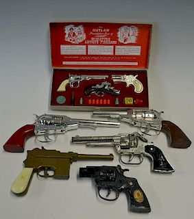 Selection of Toy Cap Guns to include Lone Star Dragnet, Young Mr Churchill, Cisco Kid, Cobra 45, Pec