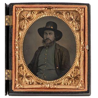 [CIVIL WAR]. Sixth plate tintype of bearded Union infantryman. N.p.: n.p., [1860s].