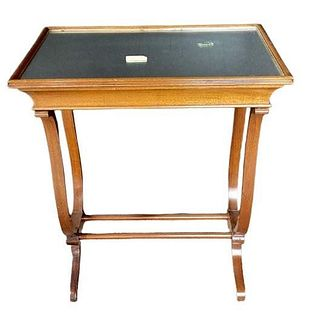 Mahogany Based End Table