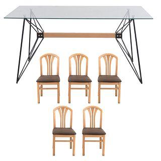 Comedor. SXXI. Consta de: Mesa. Estilo minimalista y 5 sillas. 76 x 160 x 80 cm Piezas: 6