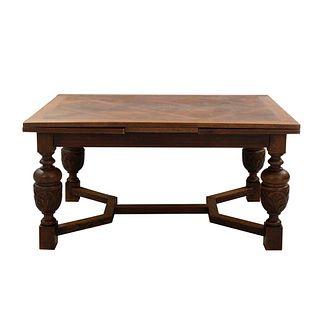 Mesa. Francia. SXX. En talla de madera de roble. Cubierta rectangular, sistema de extensiones, extensiones. 77 x 148 x 104 cm