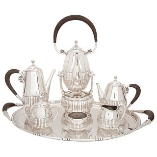 """TEA AND COFFEE SET MEXICO, 20TH CENTURY 0.925 STERLING SILVER, AVANTI, Weight: 8,382 g, 11"""" (28 cm) in height, Pieces 7"""