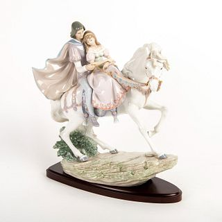Love Story 01005991 - Lladro Porcelain Figurine with Base