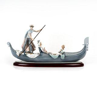 In The Gondola 1001350 - Lladro Porcelain Figure