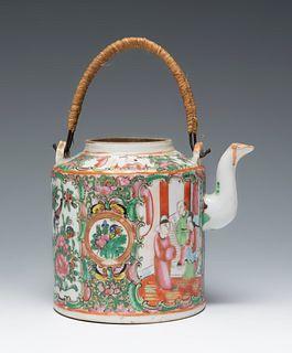 Teapot. Canton, China, 19th century. Porcelain.