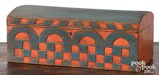 New England painted dome lid box, early 19th c., w