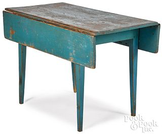 Painted pine drop-leaf table, 19th c., retaining a