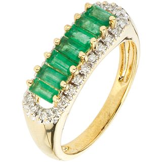 RING WITH EMERALDS AND DIAMONDS IN 14K YELLOW GOLD Rectangular cut emeralds~0.45 ct and Brilliant cut diamonds ~0.10 ct