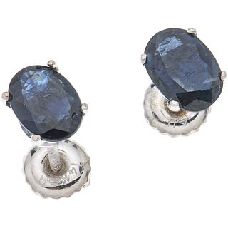 PAIR OF STUD EARRINGS WITH SAPPHIRES IN 14K WHITE GOLD Oval cut sapphires ~1.50 ct. Weight: 1.1 g