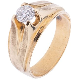 SOLITAIRE RING WITH DIAMOND IN 10K YELLOW GOLD 1 Brilliant cut diamond ~0.60 ct. Clarity: I2-I3. Weight: 8.5 g. Size: 9 ¾