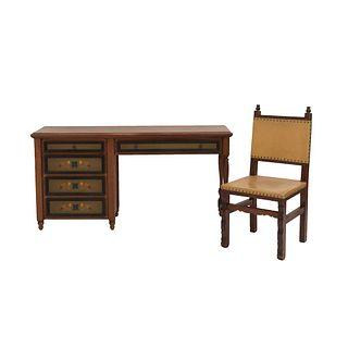 Escritorio y silla. SXX. Talla en madera. Marca Alejandro Rangel Hidalgo. 76 x 150 x 42 cm