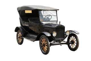 1924 FORD MODEL T TOURING CAR