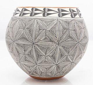 Southwest Native American Pottery Vase, Acoma, NM