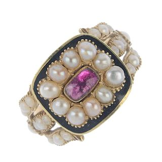 A late George III 15ct gold memorial split pearl and enamel memorial ring. The pink foil-back paste