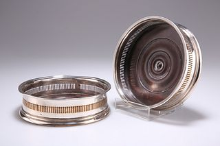 A PAIR OF OLD SHEFFIELD PLATE WINE COASTERS, CIRCA 1790, ci